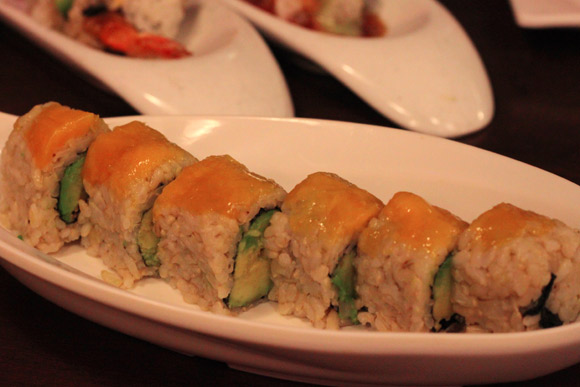 Avocado and Mango Roll with Brown Rice